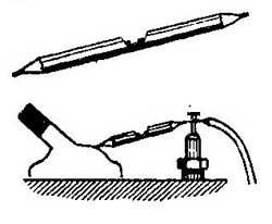 Как найти свечу дающую пробои на работающем двигателе