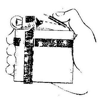 Как сделать фонарик из батарейки лампочки и изоленты
